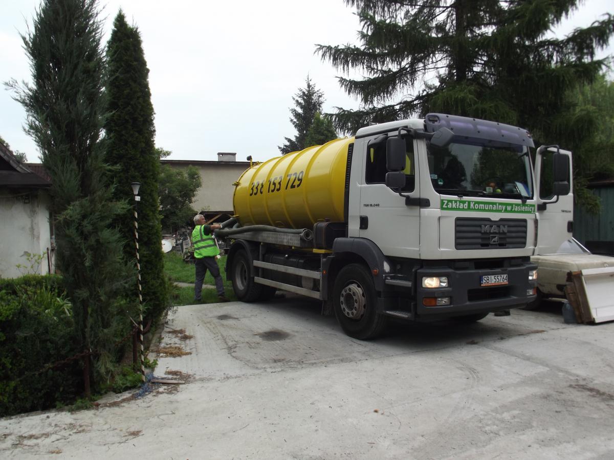 Wóz Zakładu Komunalnego w Jasienicy