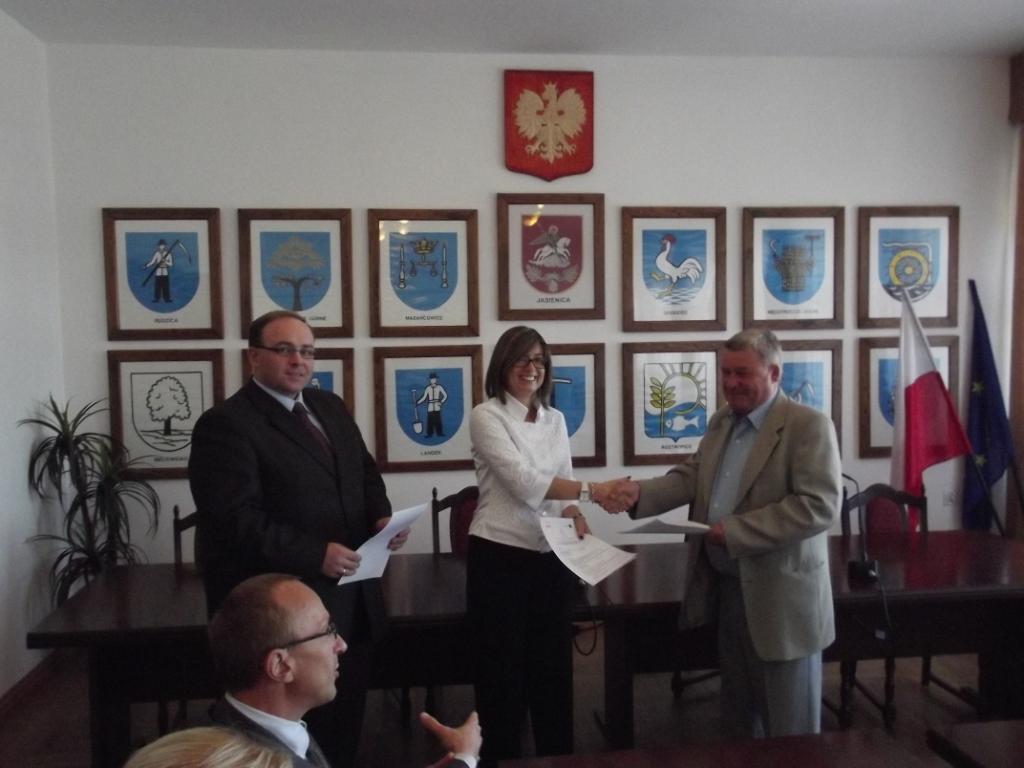 Podpisanie umowy z wykonawcą kontraktu nr 2 - 03.09.2011 r. 1